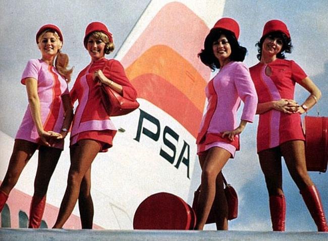 Глянцевый дизайнерский облик стюардесс породил крепко обосновавшееся представление остюардессах как