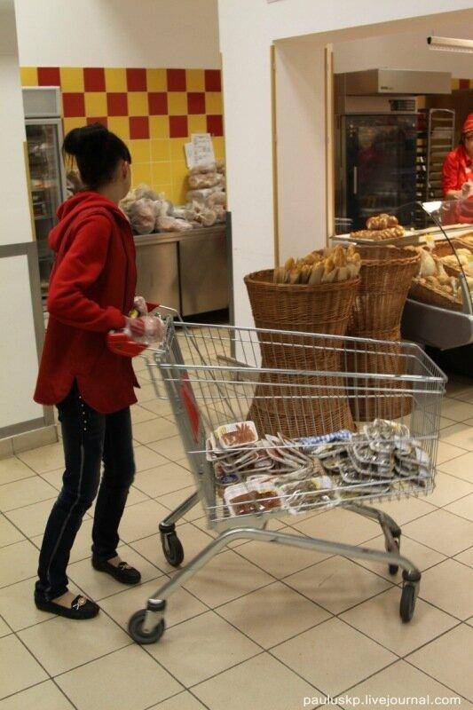 Рейд по супермаркетам Донецка - нас травят.