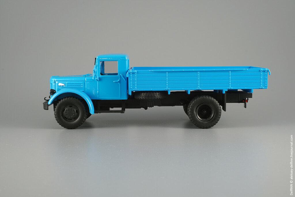 МАЗ-200-03.jpg