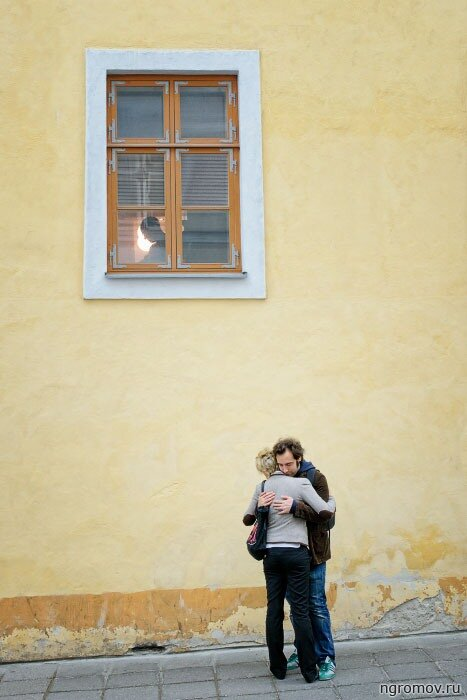 Объятия (объятия, окно, пара, профиль, свидание)