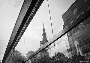 Таллинская барышня (кафе, монохром, отражение, Таллин)