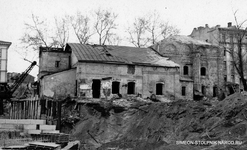 Начало строительства Калининского проспекта. Закладка фундамента высотного дома (№ 6). 1965 год.