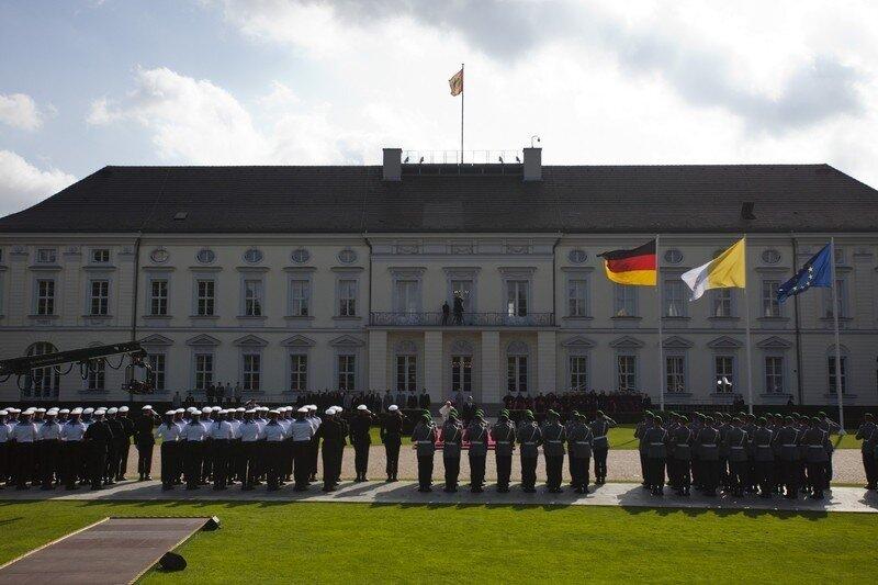 Оффтоп из Европы Pope Benedict XVI Visits Berlin