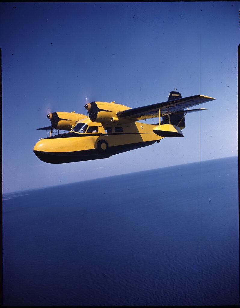 Grumman G-44 (Widgeon) (rn NC-86607) in flight, probably over Long Island, New York