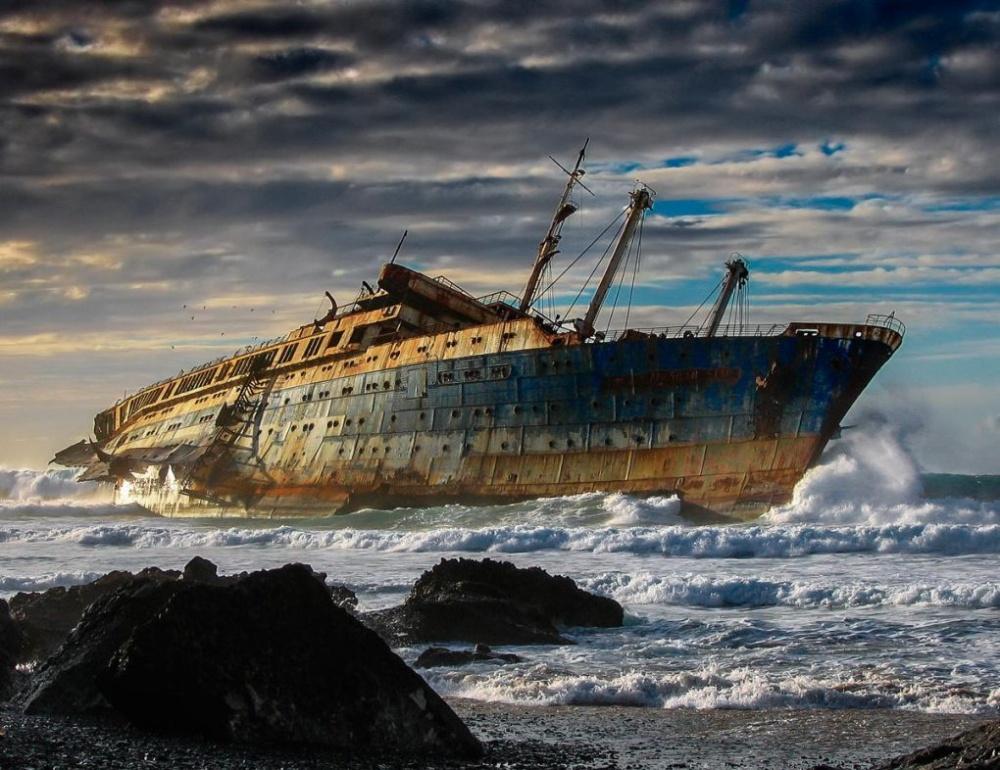 «Звезда Америки»— знаменитый океанский лайнер сблестящим прошлым. ВоВторую мировую онхорошо потр