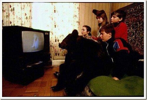 Так иностранцы представляют Русскую семью)))