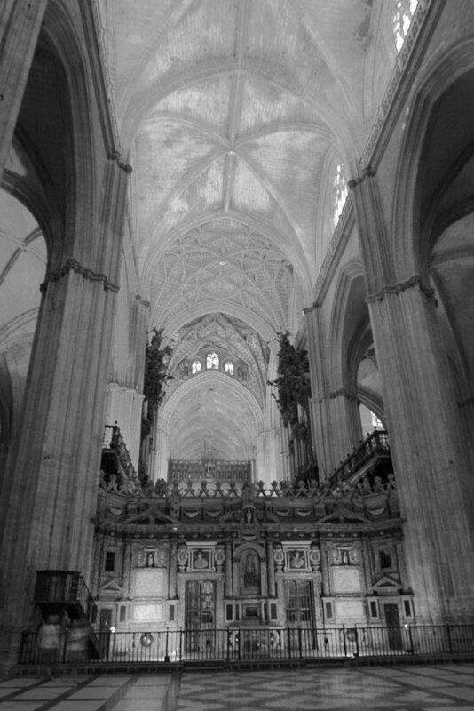 внутри Севильского Кафедрального Собора