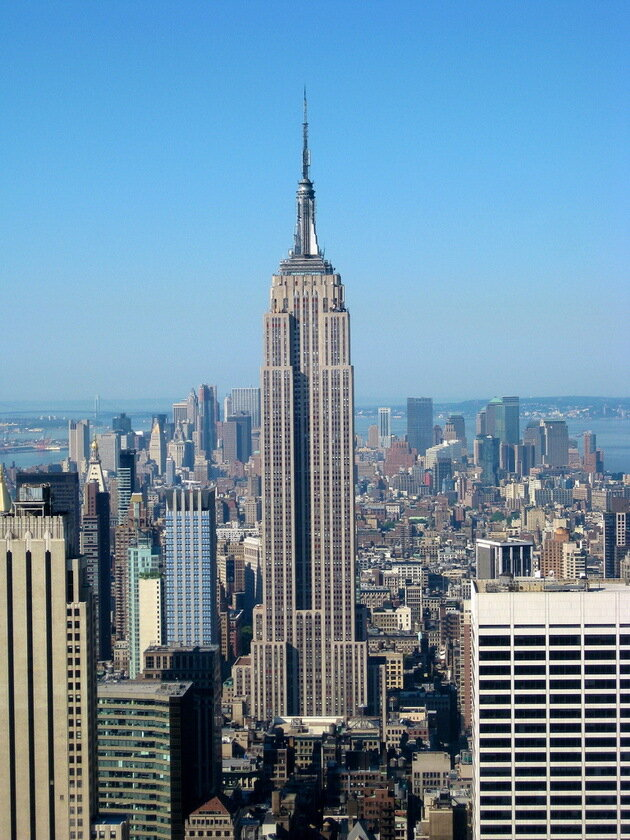 Небоскреб Эмпайр-Стейт-Билдинг (Empire State Building). Нью-Йорк, США