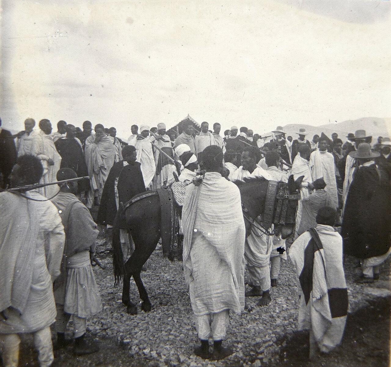 1897. Абиссиния. Император Менелик II на дороге Джибутти - Аддис-Абеба