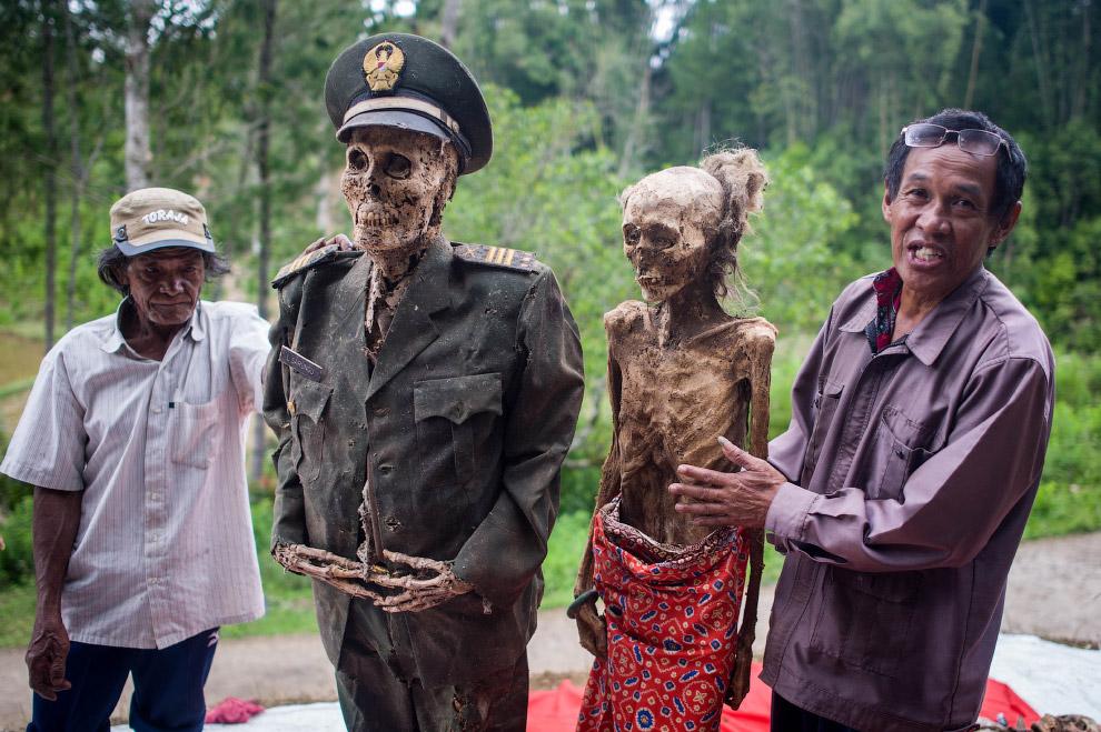Похоронный ритуал является одним из самых важных и дорогих событий для этих общин, и некоторые