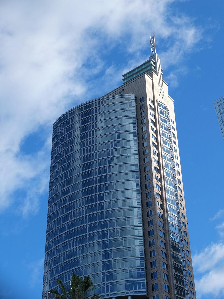 11 Стоимость : $1,000,000,000 Город : Сидней (Австралия) Высота : 244 метра Этажи : 50 Построен : 19