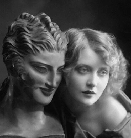E.O. Hoppé - Sculptured and Living Beauty, 1924