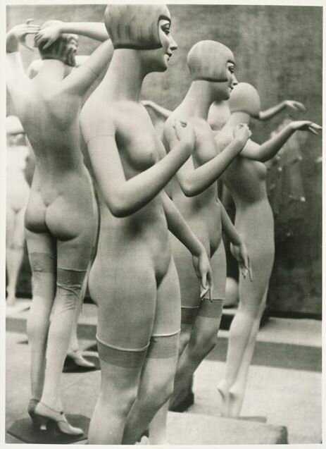 Untitled by Umbo (Otto Umbehr), 1928