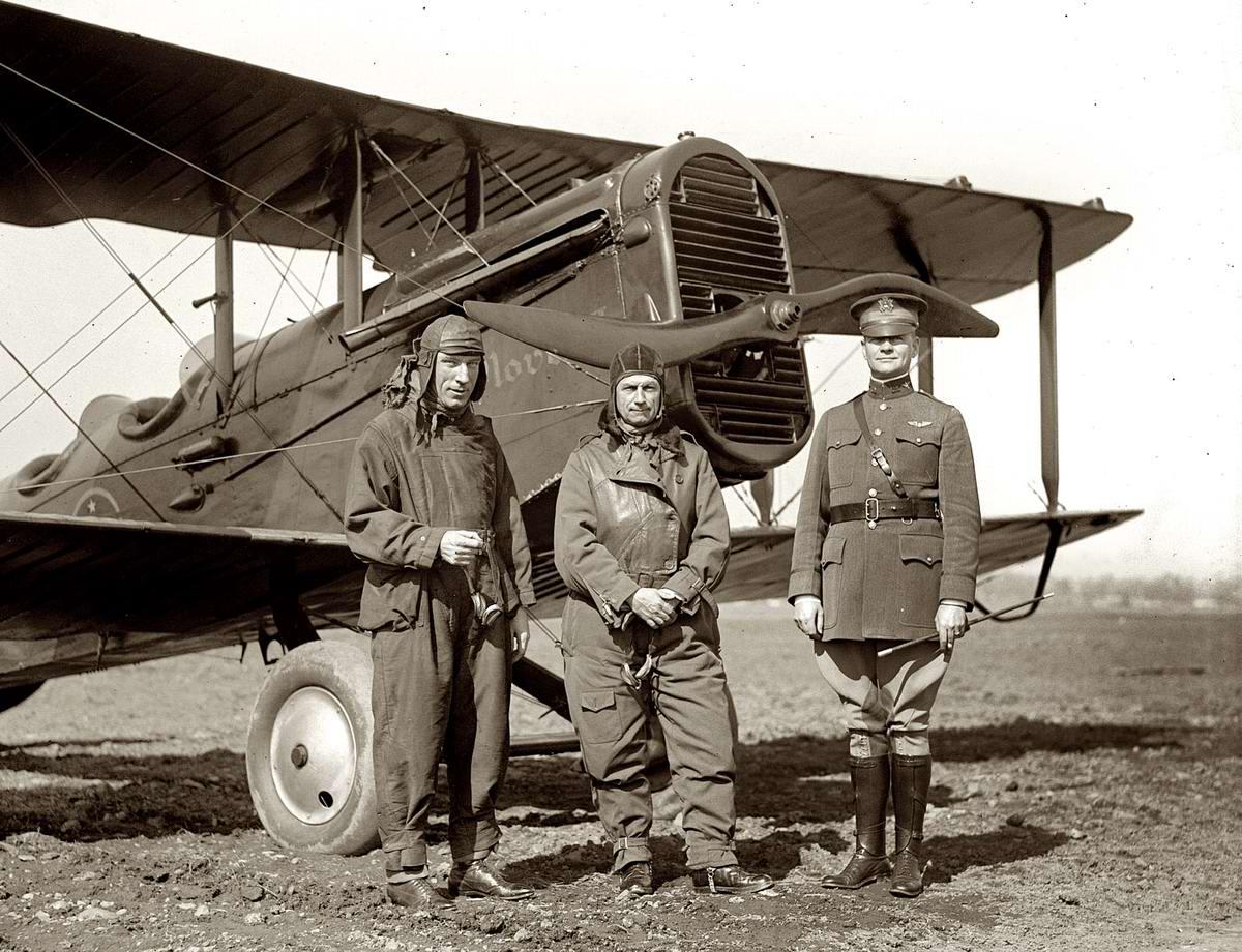 Самолеты и пилоты начала 20-го века на снимках американских фотографов (00)