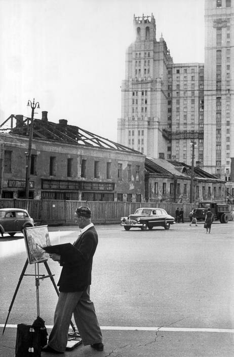 1954. Москва. Художник на Садовом кольце