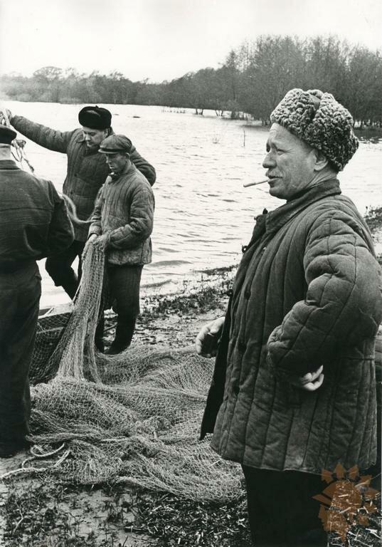 1958. М.Шолохов на рыбалке