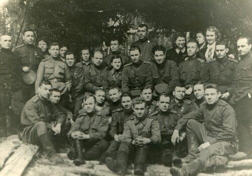 Фотки из восточной германии аперль-май 1945 года