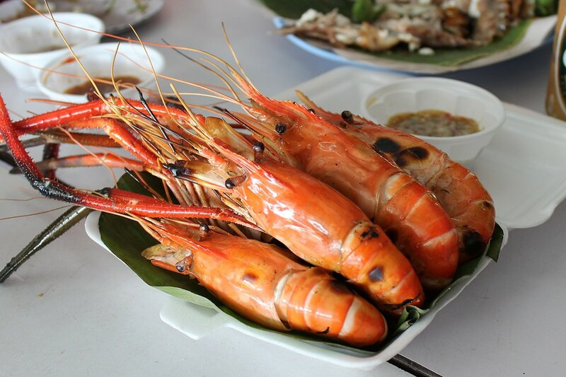 огромные креветки на гриле - плавучий рынок Талинг Чан