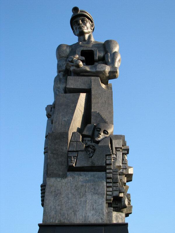 Памятники шахтерам в кемерово за слово на погребение