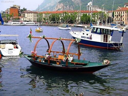 Типичная лодка озера Комо - Лучия; фото (C) LarioArea