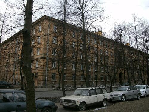 1-й Муринский пр. 1