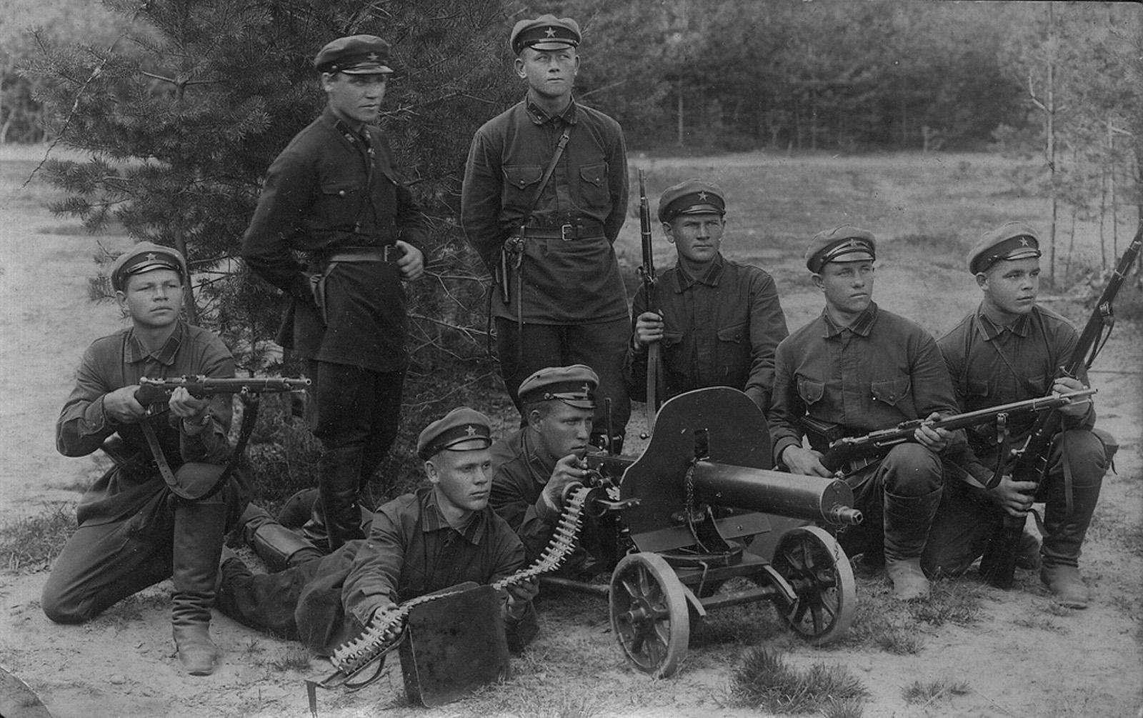 Рассказы о порке мальчиков солдатским ремнём 1 фотография