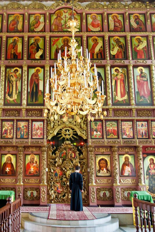 Церковь Преподобного Сергия Радонежского с трапезной - иконостас