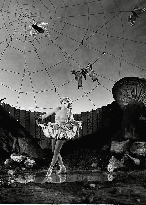 Mae Murray in Broadway Rose, 1922.png