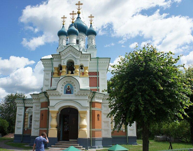 Жемчужина Мариенбурга -  красивая Покровская церковь