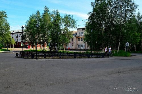 Фотография Инты №7771  Кирова 19 и 21 (вид от  Кирова 28) 21.06.2015_13:50