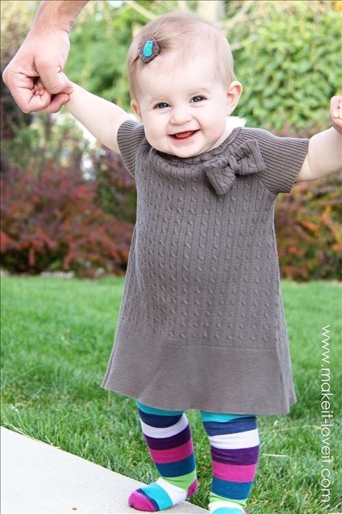 Платье для малышки из старого свитера