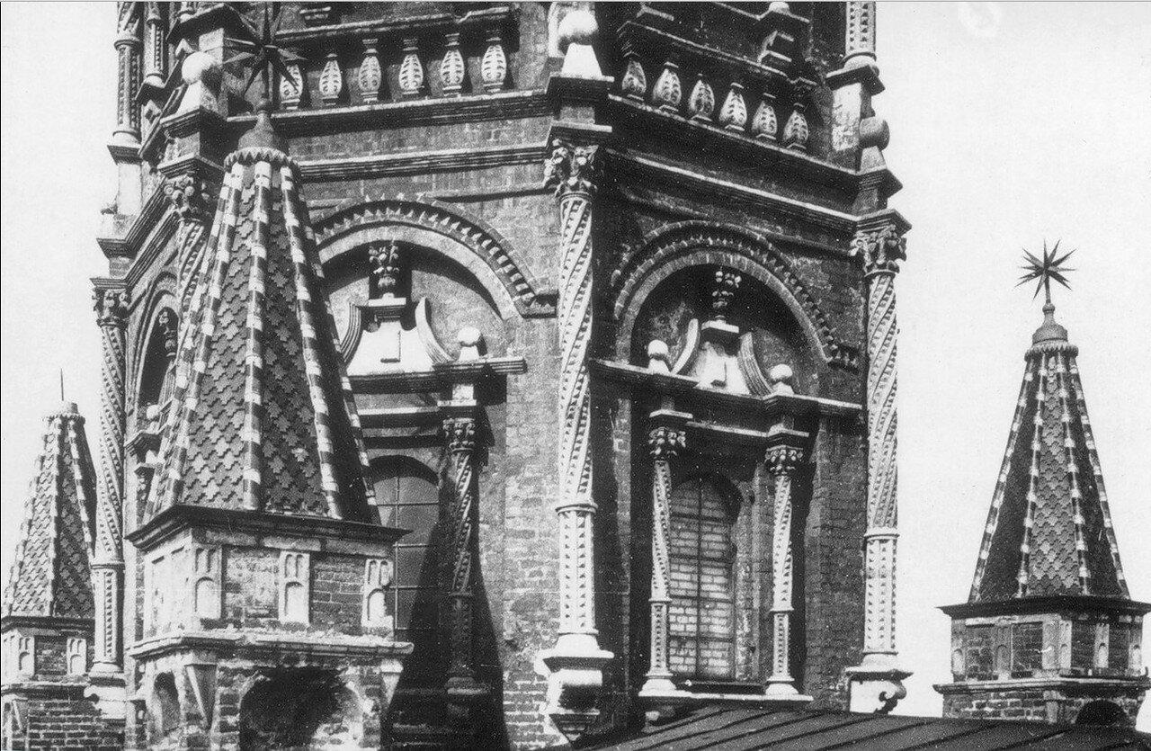 1934. Во время разборки Сухаревой башни