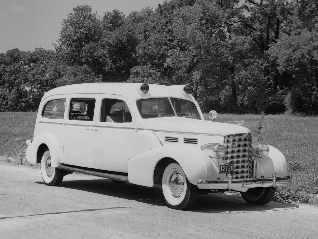 1938_Meteor_Cadillac_V_8_Series_38_75_Ambulance_emergency_stationwagon_retro__h_2048x1536.jpg