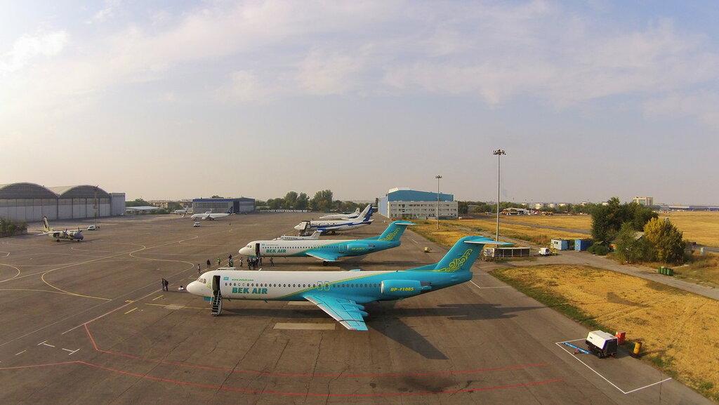 Fokker-100-4.jpg