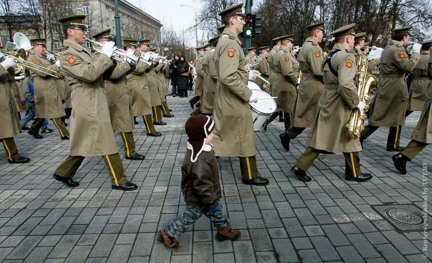 Vokrug-sveta-kak-otmechayut-Den-nezavisimosti-v-raznyx-stranax-26-foto
