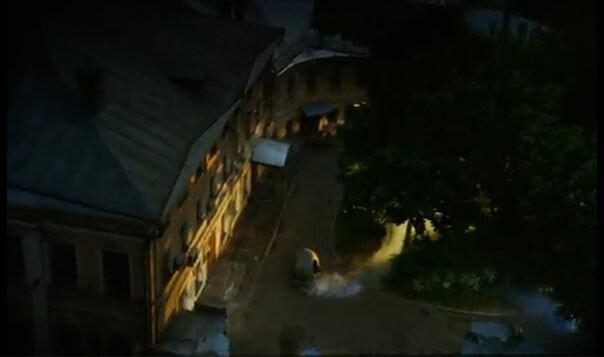 """Хитровка в кадрах из фильма """"Азирис Нуна"""". 2006 год. Хроноскаф во дворе дома Телешова."""