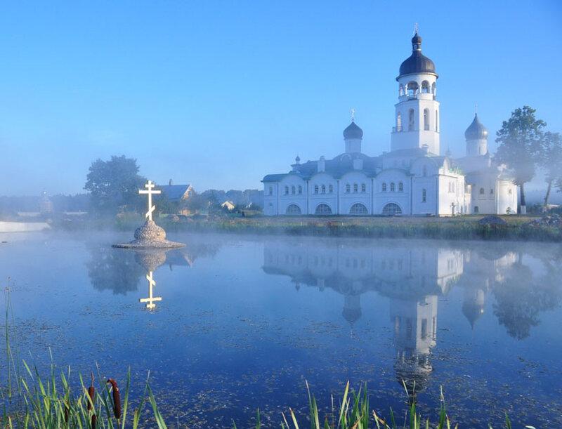 Храм и его отражение