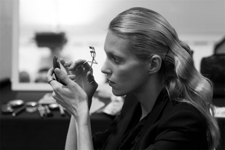 Elie Saab Spring 2012 backstage / за кулисами недели моды, фотограф Elodie Chapuis