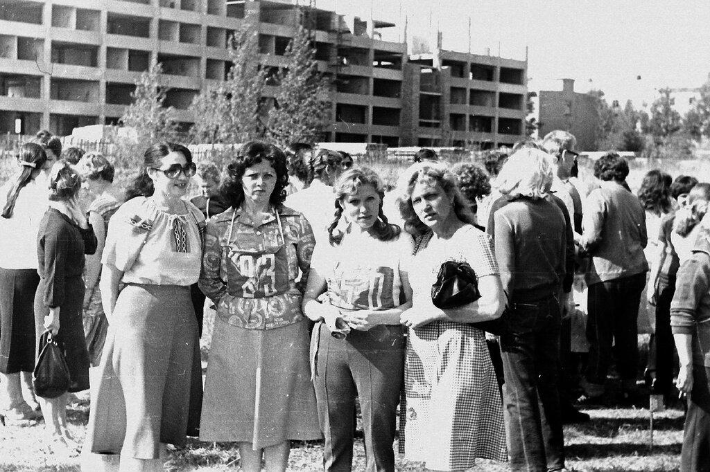 1982_1.jpg