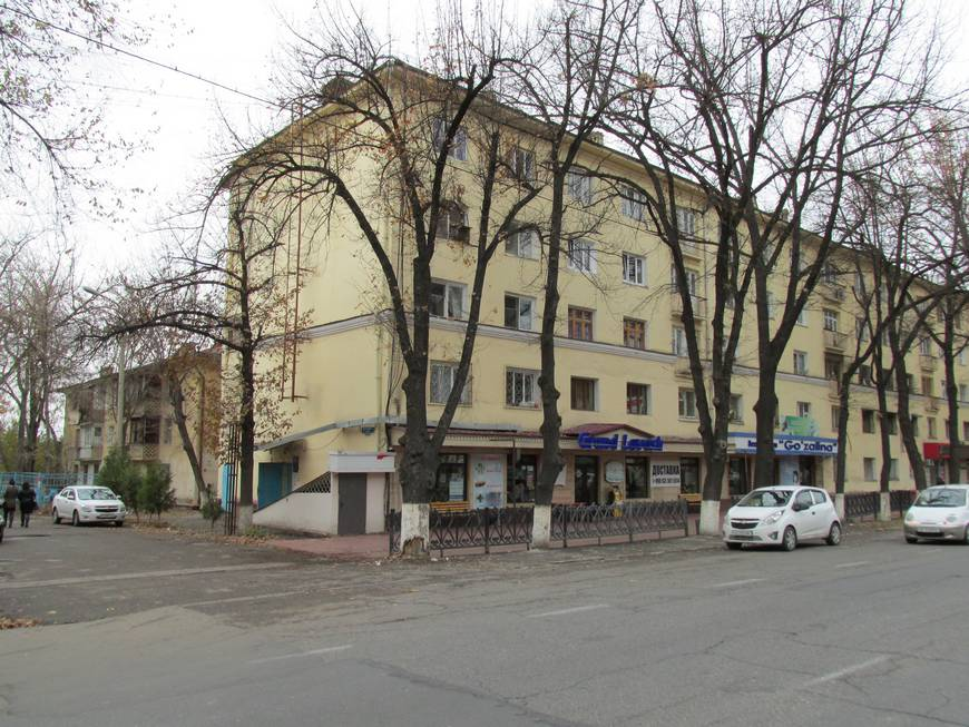 сталинские дома на улице бабура 6.JPG