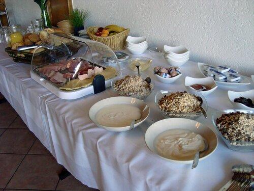 """Завтрак в отеле """"Hotel-Restaurant am Kunigundenberg"""""""
