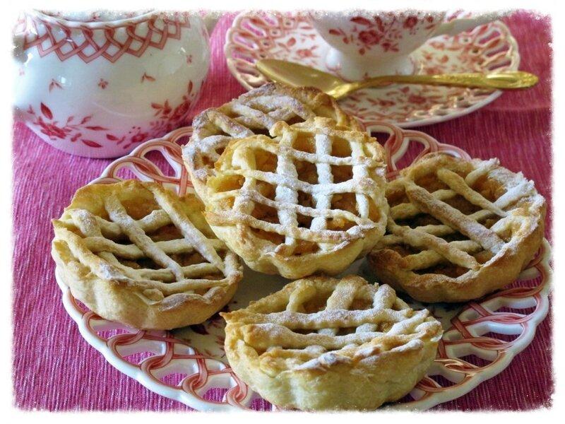 Миниатюрные яблочные пирожки