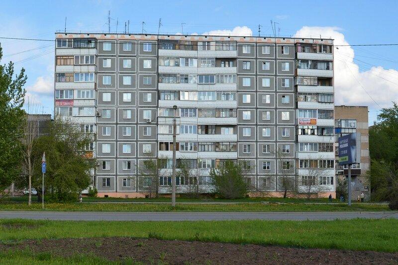 Ул. 50 лет ВЛКСМ, 27