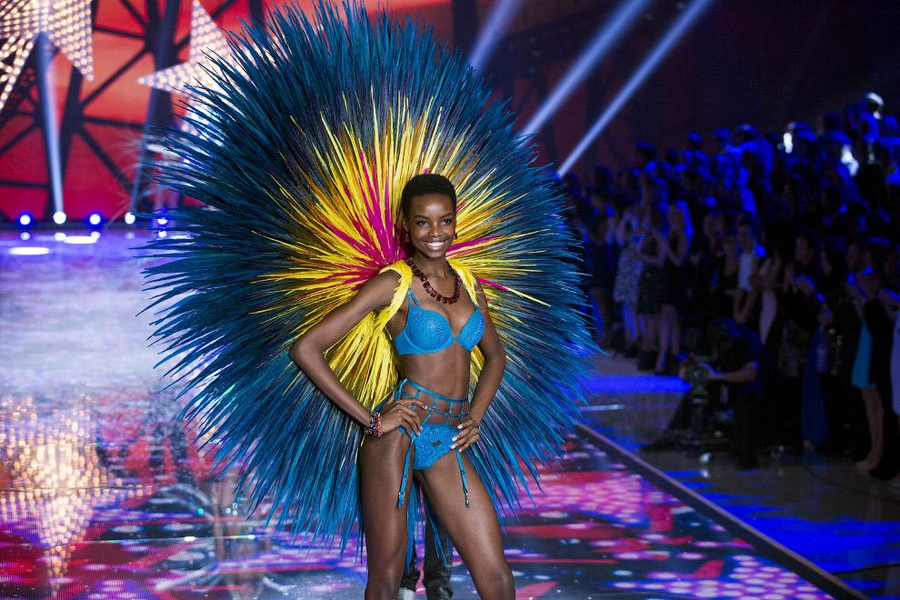 22. Шоу Victoria`s Secret 2015. Нью-Йорк, 10 ноября 2015. (Фото Lucas Jackson | Reuters):