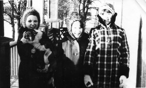 Зима 1985г. На крыльце школы. (Добавлено Эля)