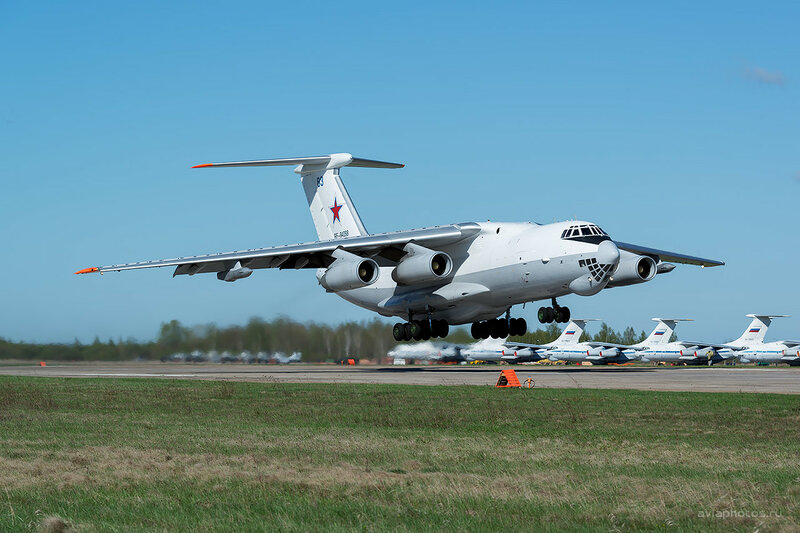 Ильюшин Ил-78М (RF-94288 / 83 синий) D807840a