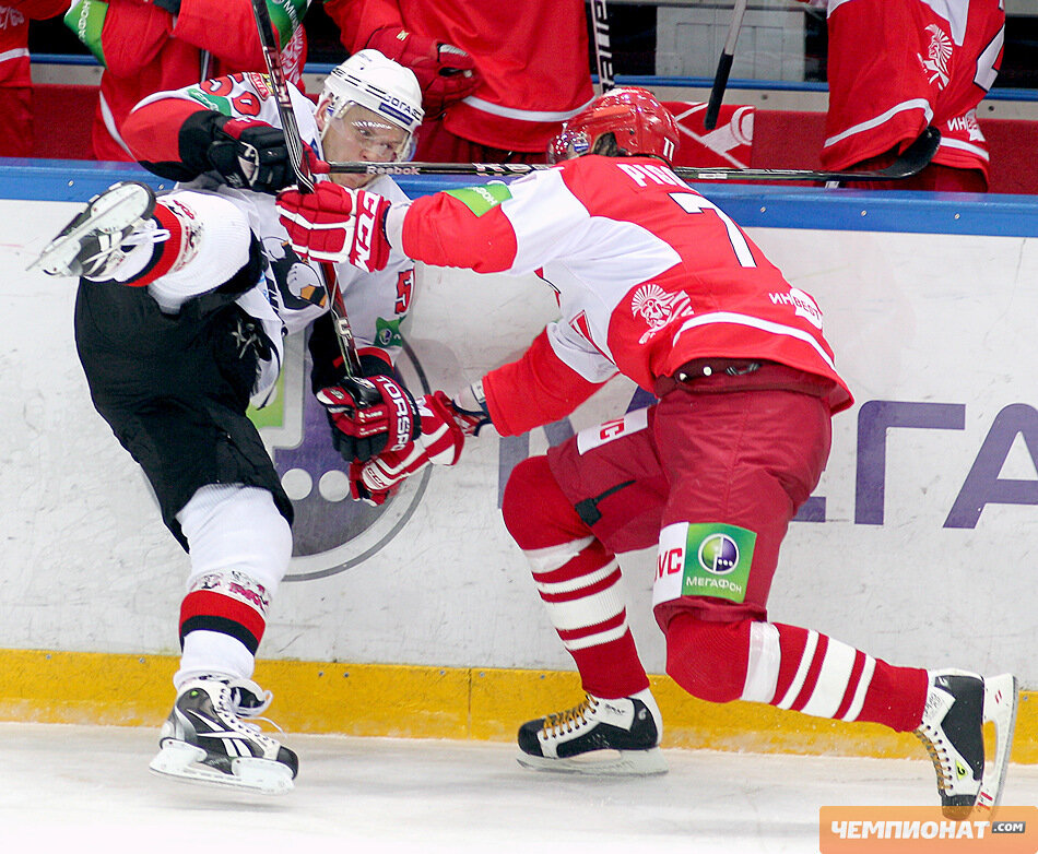«Спартак» vs «Трактор» 1:7 чемпионат КХЛ 2011-2012 (Фото)