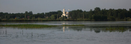 Церковь неподалёку от г. Пено