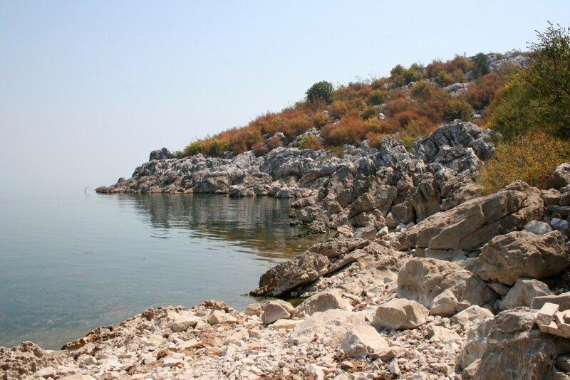 Скадарское озеро. Остров Бешка