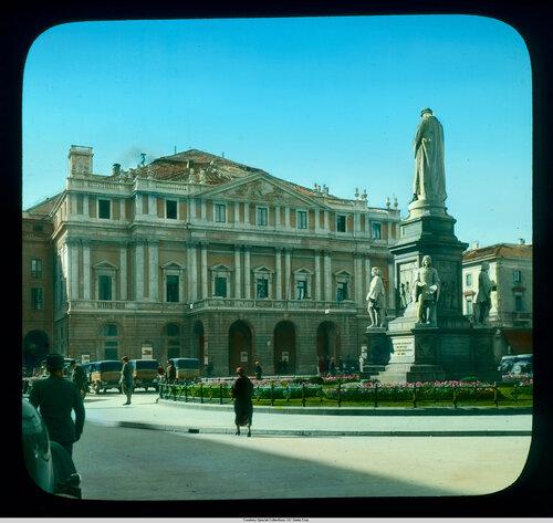 Milan. Scala Theater (Teatro alla Scala): exterior, with Magni's Leonardo monument